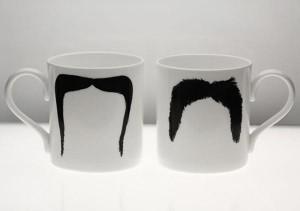 mug avec motif moustache