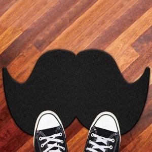 paillasson en forme de moustache pour porte d'entrée