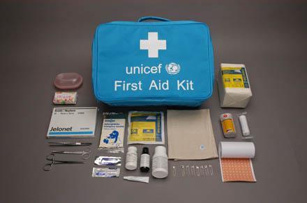 cadeau solidaire offrez un kit de premiers soins