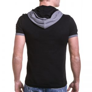 tee-shirt-homme-a-capuche