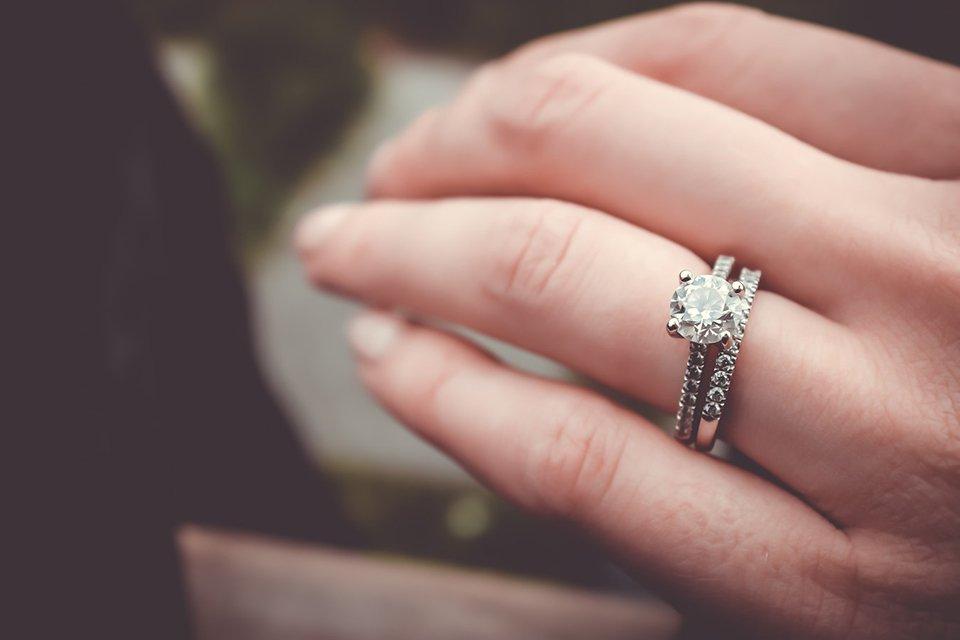 bague de fiancaille avec diamant